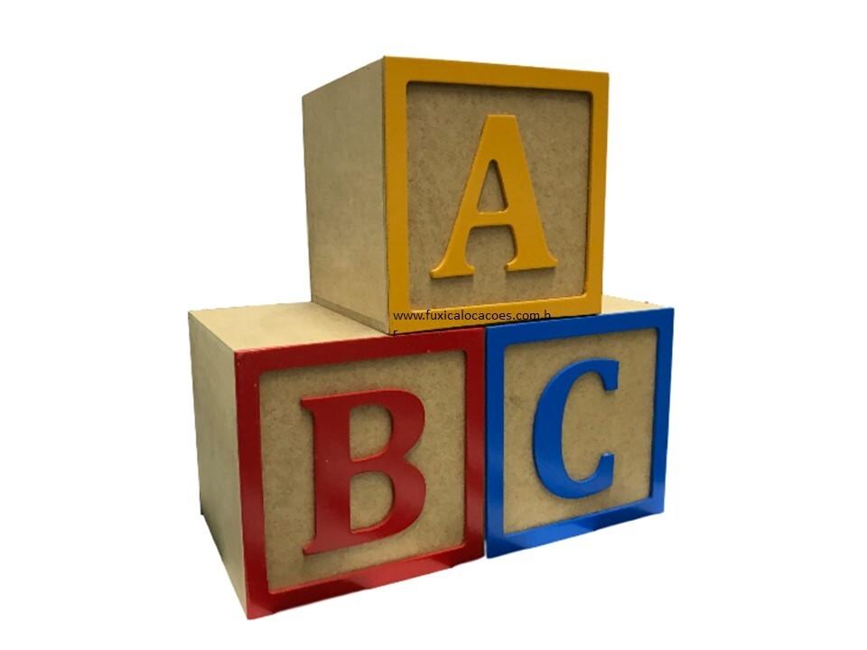 Aluguel Cubos letra A, B e C - Fuxica Locações de Kits e